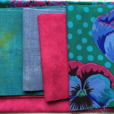 Sykit til Sew Together Bag. Download mønster på https://www.craftsy.com/sewing/patterns/sew-together-bag/136309